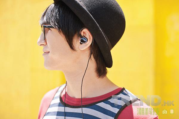 全新單元及導音管設計,Logitech 推出 UE900 升級版耳機 UE900s