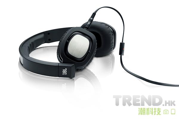 HTC 加碼優惠:Desire Eye、Desire 820 dual sim 用家可以優惠價換領 JBL-J55A 耳機