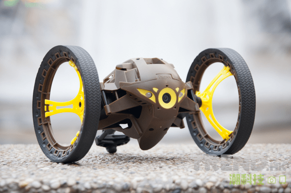 parrot-minidrones-review-jumping-sumo