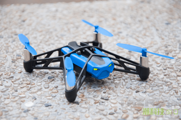 parrot-minidrones-review-rolling-spider