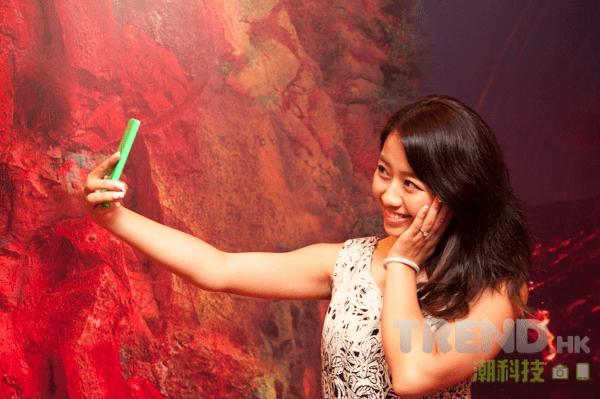 microsoft-lumia-535-dual-sim-hong-kong-press-event-model-selfie