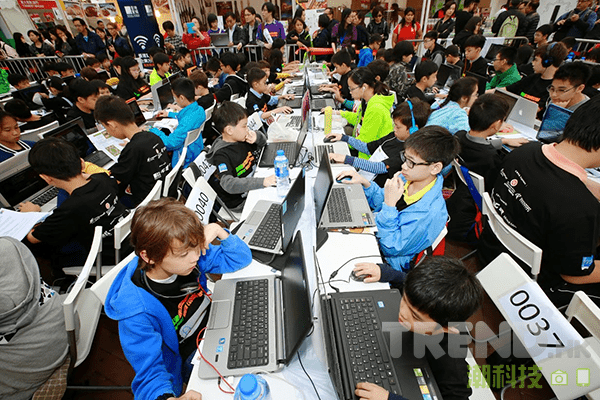 cyberport-youth-coding-jam-1000-close-up