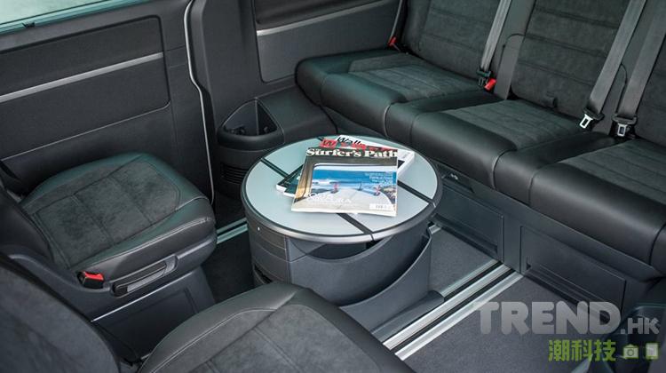 volkswagen-2016-multivan-kombi-interior